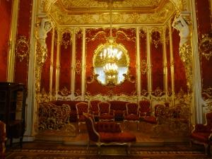 drimson fabric in the inteior of the boudoir